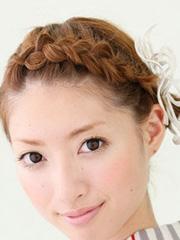 短发BOBO头怎么编辫子 短发编辫子发型步骤图解[9P]