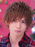 2014新款男士卷发发型图片[9P]