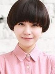 女学生蘑菇头短发设计图片[5P]