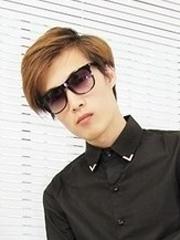 帅气男生发型颜色图片分享[5P]