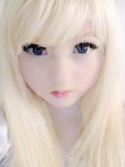 英国15岁白化病萝莉发型私照 酷似充气娃娃红遍全球[14P]