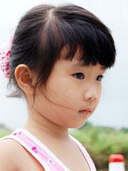 3岁至4岁可爱小女孩发型扎法[5P]