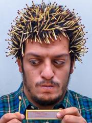 伤不起!埃及摄影师自拍怪异发型爆到炸[15P]