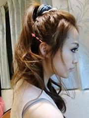韩式马尾发型扎法步骤图解[6P]