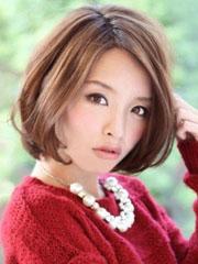 新款女生短发荷叶头发型图片[5P]