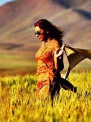 伊朗女子晒摘掉面纱照片 长发随风飞舞畅享自由[7P]