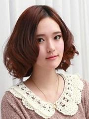 最新荷叶头烫发发型图片[5P]
