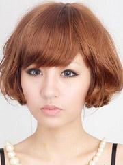 新款女生短发荷叶头烫发图片[5P]