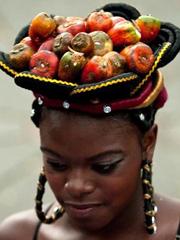非洲人发型逆天了 非洲小辫子发型还挺实用[9P]