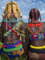 """非洲部落用牛粪打造""""乌贼""""式发型[14P]"""