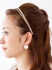 简单韩式发型扎法中长发图解[5P]