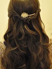 韩式公主发型扎法图解 半扎发更甜美[12P]