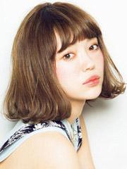 最新甜美短发烫发发型图片[5P]