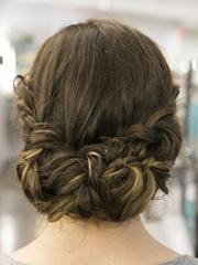 婚礼当天新娘发型详细步骤图解[25P]