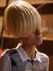 秀场未来风蘑菇头发型图片 金色蘑菇头假发气场强大[11P]