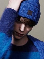 男生戴帽子发型怎么打理[3P]