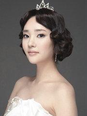 今年流行的韩式新娘盘发图片[11P]