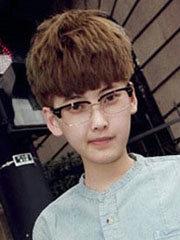 男生蘑菇头短发发型图片[4P]