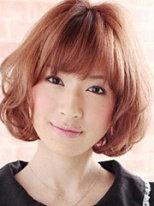 最新女生短发蓬松烫发发型图片[5P]