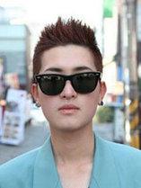 日韩男士热门烫发发型图片[5P]