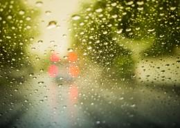 窗外的雨滴图片_15张
