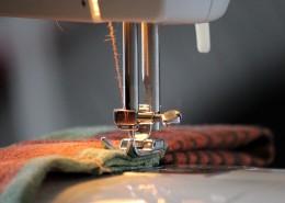 正在工作的缝纫机图片_12张