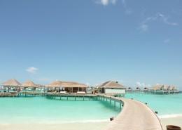 马尔代夫海边房屋风景图片_12张