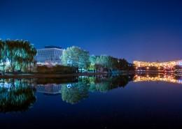 夜晚城市的水中倒影图片_13张