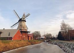 高大的荷兰风车图片_13张