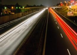 夜晚的公路图片_15张