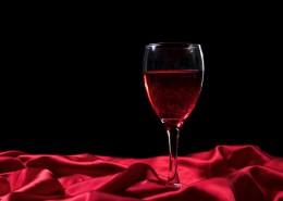高雅的红酒和红酒杯图片_8张