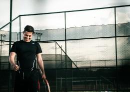 打网球的网球爱好者图片_15张