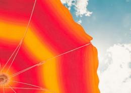 色彩鲜艳的雨伞图片_9张