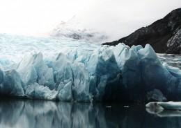 寒冷的冰川图片_13张