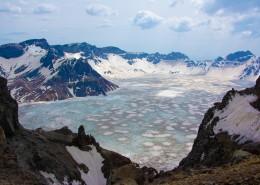 吉林长白山天池和聚龙泉自然风景图片_10张