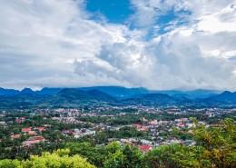 老挝琅勃拉邦城市风景图片_12张