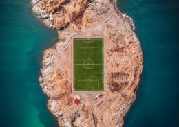 宽敞的足球场图片_12张