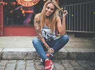霸气潮流的欧美女生纹身壁纸