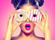 精致诱人的彩色甜甜圈图片