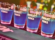 酒吧里的洋酒图片
