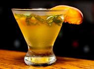 色彩鲜艳的魅力鸡尾酒图片