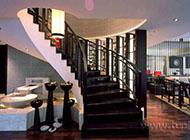 现代时尚流行的楼梯装修效果图