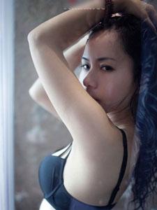 极品美胸熟女浴室销魂照