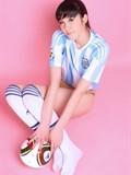最高足球宝贝比基尼写真魔鬼身材展魅惑_美图