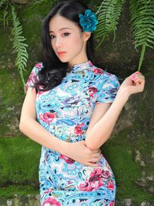 甜美旗袍美女气质优雅迷人
