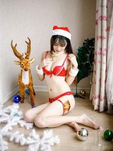 孔一红红色圣诞节