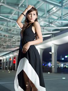 美女模特外拍迷人甜美写真