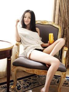 刘凯菲私房照美腿优雅性感