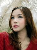 清纯红衣少女荒野迷人美图
