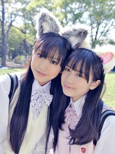 可爱姐妹花扮兔女郎别有一番滋味